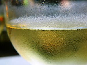 Eiswürfel mit Weißwein zaubern