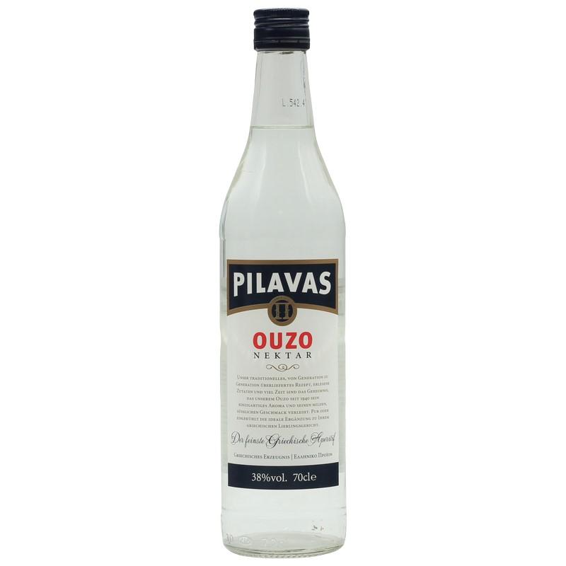 Eine Flasche Pilavas Ouzo Nektar
